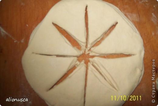 Вот что у меня получилось из простого дрожжевое тесто для хлеба,  источник вдохновения - Валентина Цуркан. Моя идея сделать такое из простого тесто.   http://www.liveinternet.ru/users/4067968/post188801237  фото 10