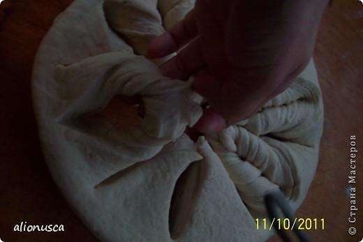 Вот что у меня получилось из простого дрожжевое тесто для хлеба,  источник вдохновения - Валентина Цуркан. Моя идея сделать такое из простого тесто.   http://www.liveinternet.ru/users/4067968/post188801237  фото 6