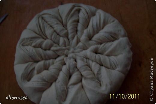 Вот что у меня получилось из простого дрожжевое тесто для хлеба,  источник вдохновения - Валентина Цуркан. Моя идея сделать такое из простого тесто.   http://www.liveinternet.ru/users/4067968/post188801237  фото 7
