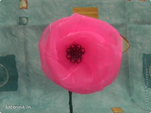 Вот такая вот голубая роза в фужере... Хотела сделать МК по их изготовлению,но потом решила узнать у вас, мастерицы,нужен ли будет вам такой цветок?А вдруг нет! фото 3