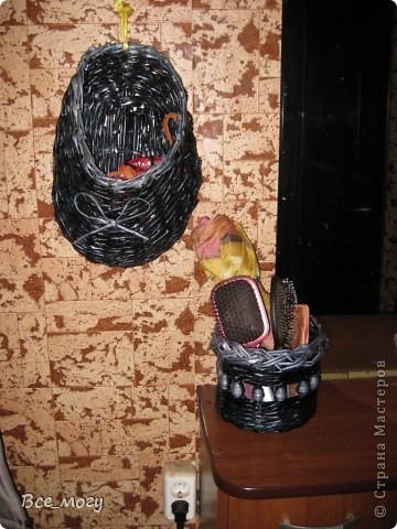 """В коридоре висит на стене, использую для поводков и шлеек своего пекинеса( так как гуляем 3 раза на дню) раньше постоянно поводок лежал на тумбочке- сейчас на своем месте в """"тапке"""")))) фото 2"""