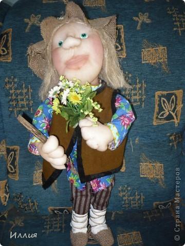 Здравствуйте жители Страны Мастеров. Наконец то я собралась с духом и сделала свою первую куклу на каркасе. И вот выношу её на ваш суд. Знакомьтесь это пастушок Лель. фото 4