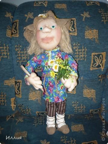 Здравствуйте жители Страны Мастеров. Наконец то я собралась с духом и сделала свою первую куклу на каркасе. И вот выношу её на ваш суд. Знакомьтесь это пастушок Лель. фото 3
