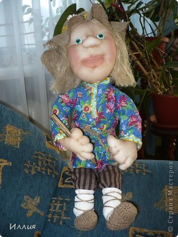 Здравствуйте жители Страны Мастеров. Наконец то я собралась с духом и сделала свою первую куклу на каркасе. И вот выношу её на ваш суд. Знакомьтесь это пастушок Лель. фото 2
