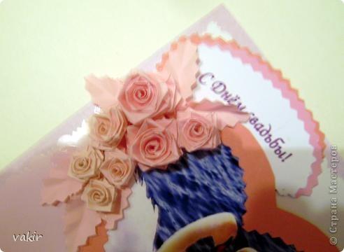 Всем доброго времени суток! Выставляю на ваш суд розового клона голубой свадебной открытки. Попросили сделать в розовых тонах. Вот что получилось. Вроде бы неплохо. Фото лебедей нашла в инете, искала, чтоб присутствовал розовый цвет. Приношу извинения за качества фото - барахлит фотоаппарат. Это фото со вспышкой. фото 3