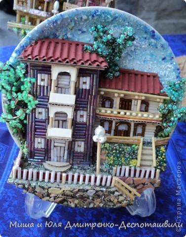 Тбилисобо в Стране Мастеров продолжается! Помните домики на кувшинах? Так вот они украшают и тарелочки, и даже существуют сами по себе!  фото 1