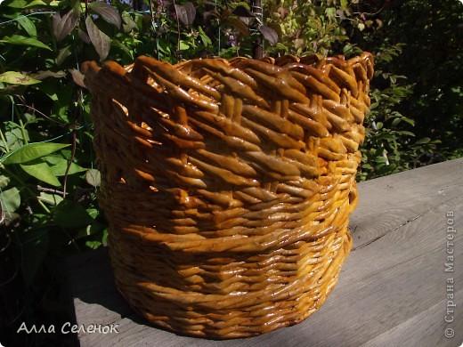 На этом кашпо я училась делать косое плетение и ободок. фото 1