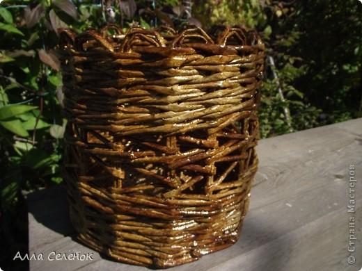 На этом кашпо я училась делать косое плетение и ободок. фото 2
