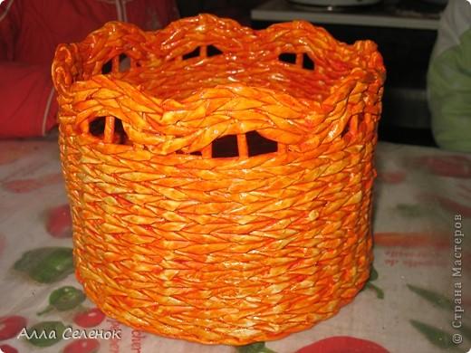 На этом кашпо я училась делать косое плетение и ободок. фото 4
