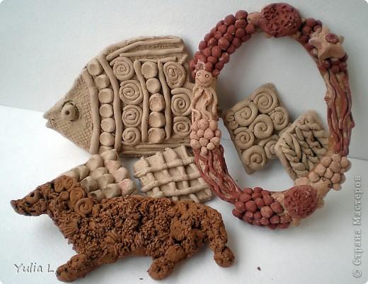 Доброго всем времени суток!!! Сегодня хочу показать последние работы моей дочуни Анютки из глины и не только.  В этом году она начала посещать студию керамики, и вот ее первые работы. фото 1