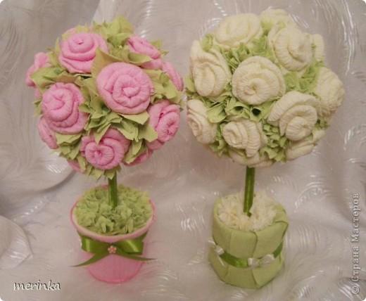 Моя мама очень любит розы, причем именно розовые, вот я для нее сделала топиарий с розовыми цветочками фото 5