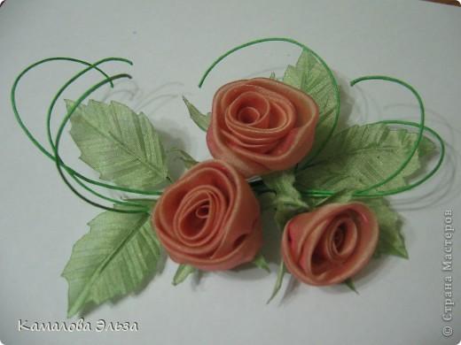 Композиция из роз для свадебной прически невесты. фото 3