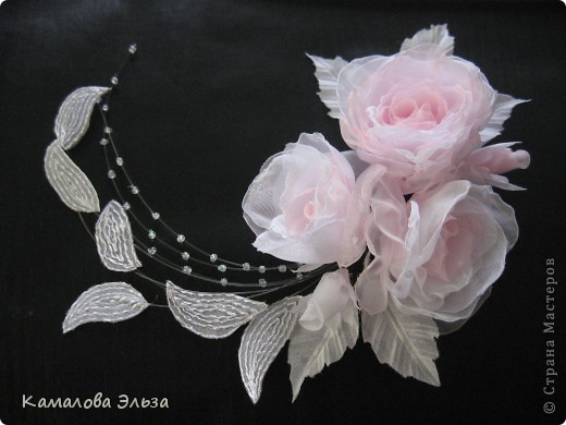 Композиция из роз для свадебной прически невесты. фото 1