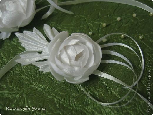Композиция из роз для свадебной прически невесты. фото 4