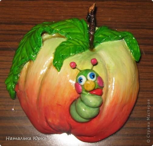 Вот такое яблочко вдохновило меня на создание чего-то подобного: http://stranamasterov.ru/node/88876 а получилось ли - судить Вам, дорогие мастерицы! Огромное спасибо Марине Архиповой за чудесный МК!!! фото 1