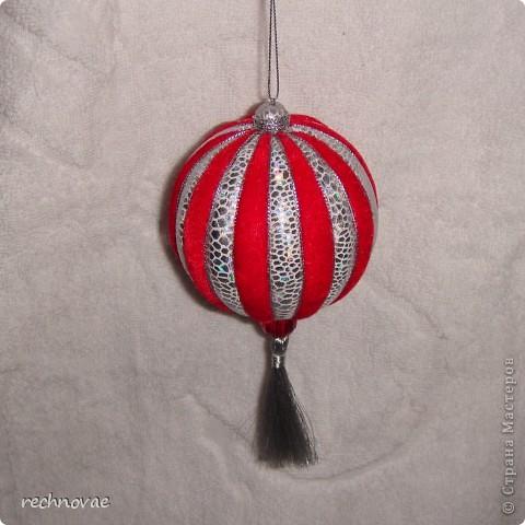 Елочная игрушка  (пенопласт и ткань)