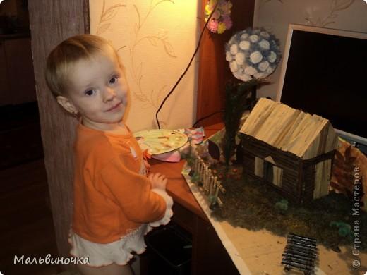 Это наша поделка на праздник осени в школу.Делали мы ее с сыном в течение трех вечеров.Материал собирали в деревне у бабушки,наверно поэтому и навеяло нам такую композицию! фото 3