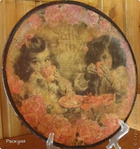 Всем  жителям СМ  приветик и наилучшие пожелания! Тема не моя, но приглянулась рисовая карта с розами и сделала вот такой комплект - тарелка -панно( диаметр 30 см) и шкатулка фото 3