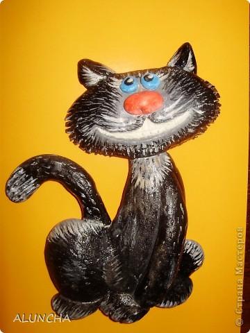 Добрый вечер ,всем талантливым жителям Страны Мастеров.Выставляю на ваше обсуждение своих котиков.Благодаря Мариночке Архиповой увлеклась лепкой сверхпозитивных кошаков.В начале появился этот черный красавец,которого я повторила по подробному мастер-классу Мариночки,а затем и другие его сородичи... фото 1