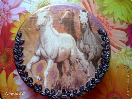 Коробочка с лошадками. фото 1