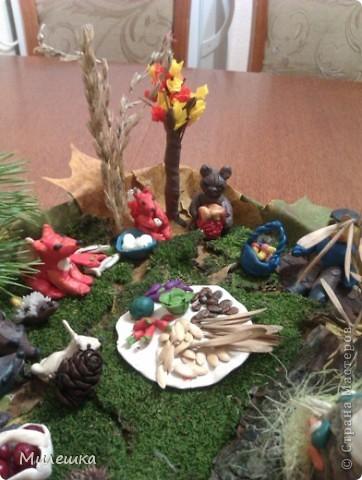 """В детском саду у сына объявили конкурс семейных поделок из природного материала. Мы с сыном придумали сказочную историю, которую назвали """"Праздничный ужин в лесу"""".  фото 2"""
