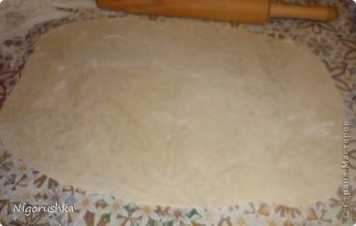 Сегодня хочу предложит вам рецепт домашнего лаваша. Поискав на кулинарных сайтах рецепты и подогнав их под себя пришла к такому итогу.  С порции получилось 10 лавашей размером приблизительно 28*35 см фото 5
