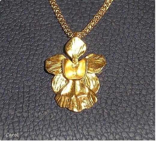 Орхидея в золоте