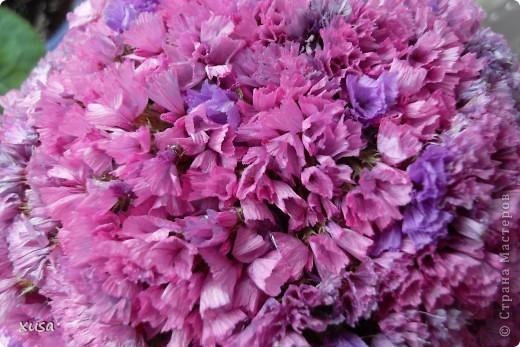 """Вот такие цветочки, под названием статица появились у меня дома! Но оставлять их так просто не захотела, они осыпаются. Вот решила их """"закрепить""""  на дереве. И в итоге вот что получилось! фото 5"""