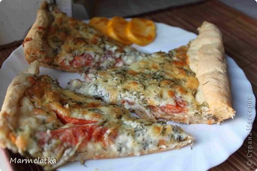 Закусочный пирог с сыром и помидорами фото 1