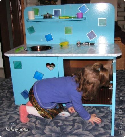 Вот такую кухню мы делали для детского садика. Был вариант заказать (соседняя группа потратила на это около 20 тыс.) Но мы решили пойти по бюджетному пути )))) т.к. и так все игрушки и оборудование покупали родители на свои деньги. фото 3