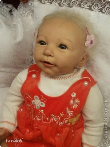 1 апреля закончила возрождать девочку Лизу. Рост её 56см., вес 2400кг. Так как это девочка, то имеется магнитная заколка на голове. фото 5