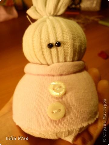Мастер-класс Новый год Рождество Шитьё Снеговики из носков Бусинки Карандаш Нитки Носки фото 13