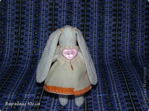 Зайка малышка всего 14 см.,сшита из бязи , платье- ситец наполнитель- синтипон. фото 2