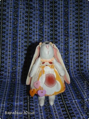Зайка малышка всего 14 см.,сшита из бязи , платье- ситец наполнитель- синтипон. фото 1