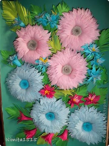 Мои первые цветочки. Огромное спасибо Ольге Ольшак http://stranamasterov.ru/user/12816, благодаря вашим работам, я решила попробовать себя в квиллинге. Цветочки я делала по мк http://www.liveinternet.ru/users/3909543/post185652810/   фото 6