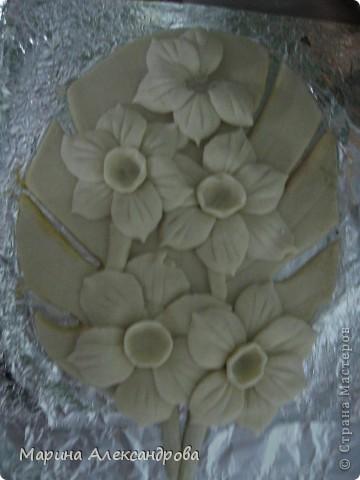 Мне нравится, а вам? цветы нежно белые, фото искажает цвет...сами цветы покрывала лаком бесцветным для ногтей, работе 3 месяца, все нормально...ничего не испортилось! Возможно кто-то захочет повторить, буду рада если МК пригодится... фото 12