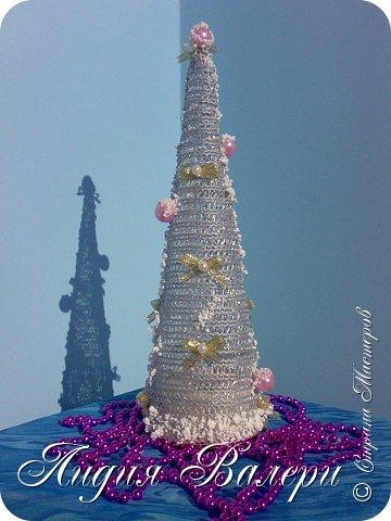 Так как гласит календарь Новый 2012 год - год черного водяного дракона. Вот у меня и появилась идея сделать елочку, но не простую, а  приносящую удачу, счастье, богатство.... в Новом 2012 году. фото 23