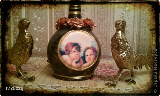 Вот так бутылочка из под ликера Mozart  превращается в винтажную вазочку фото 1