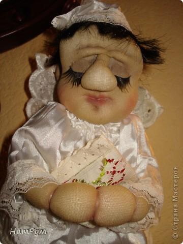Маленькому армянскому мальчику исполнилось 8 лет. Мама хотела портретную куклу, а я хотела ангела. Пришли к компромиссу: ангелочек с чертами именинника.  фото 2