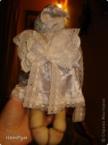 Маленькому армянскому мальчику исполнилось 8 лет. Мама хотела портретную куклу, а я хотела ангела. Пришли к компромиссу: ангелочек с чертами именинника.  фото 3