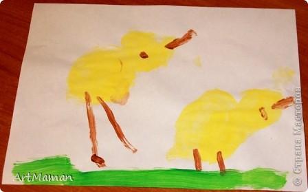 Рисовала все доча (2,2 г.), я только подсказывала и помогала кисточку в краску макать. Но это из последнего...  фото 1