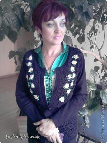 Для Наташи на её ДР. Фото, правда, уже на второй день,но... Как можно вышивать на двойной полочке, да еще и без ленточек на изнанке? Времени почти нет! Анютки делала почти в аврале!.... фото 1