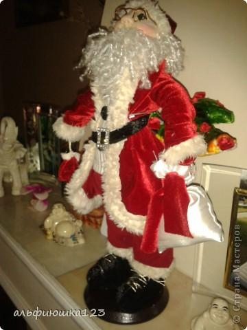 Санта сшит как Дед Мороз.  фото 4