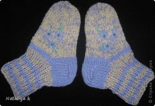 Такие носочки связала для одной  юной принцесски 2,5 лет. фото 1