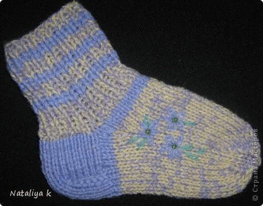 Такие носочки связала для одной  юной принцесски 2,5 лет. фото 2