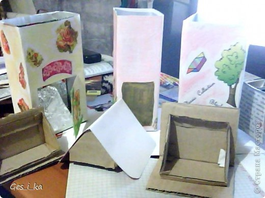 опять же в воскресной школе... делали вот такие домики: чайные с открывающейся дверцей и для сахара без открывающихся частей. Тоже приспособили под них упаковки Тетра Пак из-под сока фото 5