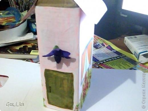 опять же в воскресной школе... делали вот такие домики: чайные с открывающейся дверцей и для сахара без открывающихся частей. Тоже приспособили под них упаковки Тетра Пак из-под сока фото 6