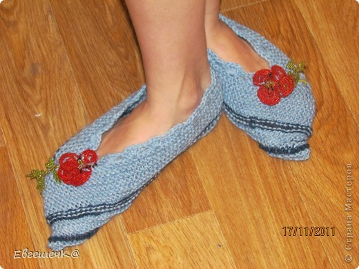 Вот такие тапчоночки связала для своей дочурочки. Схему вязания взяла здесь http://forum.darievna.ru/topic682.html-sid=9093786ccd50006db78cb2642d438b12 фото 5