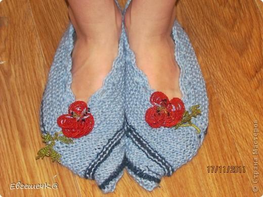 Вот такие тапчоночки связала для своей дочурочки. Схему вязания взяла здесь http://forum.darievna.ru/topic682.html-sid=9093786ccd50006db78cb2642d438b12 фото 1