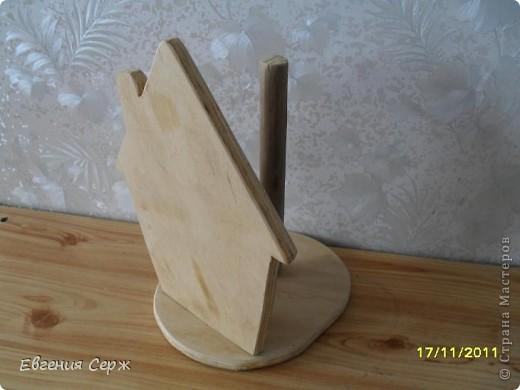 Домик-держатель для бумажных полотенец  домик -великан ключница правда пока без крючечков и держатель для  полотенец или прихваток то же ждет крючков фото 6